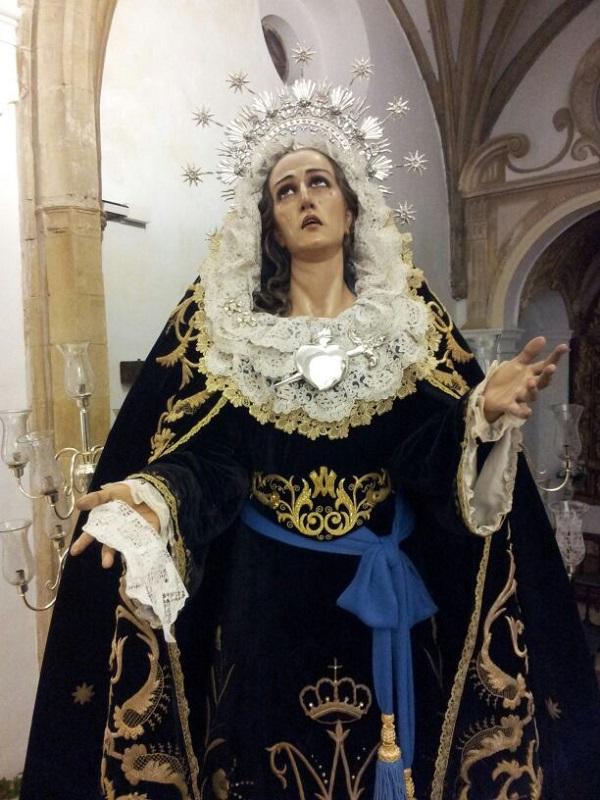 social Virgen pequeña mama cerca de Córdoba